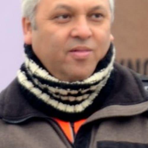Farhad Vania